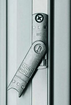 Ridicator de cercevea si contraactionare gresita - feronerie pentru ferestre si usi din PVC